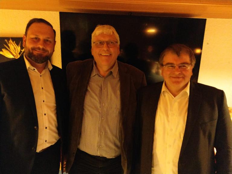 v.l.n.r.: Marco Maurer, Peter Heinl, Kreisvorsitzender Harry Scheuenstuhl